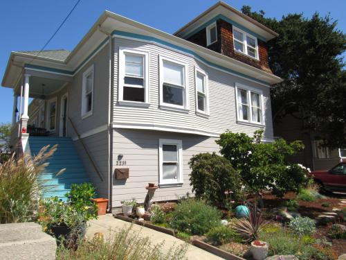 2231 Pacific Ave #UPPER Photo 1