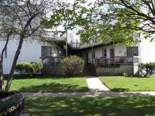 146 E Hazelhurst Street Photo 1
