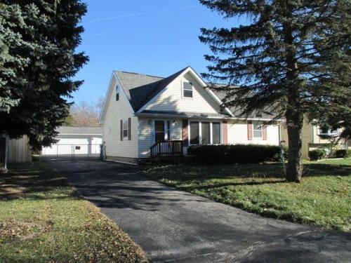 299 Maplewood Drive Photo 1