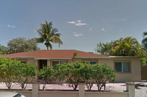 8620 SW 41st Terrace Photo 1