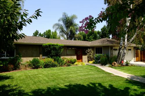 1677 Santa Barbara Drive Photo 1
