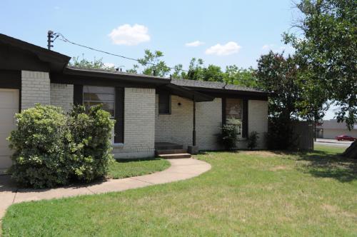 4200 Kenwood Court Photo 1