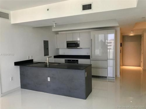 1010 Brickell Avenue Photo 1
