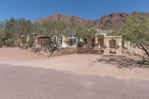 4642 N Alta Hacienda Drive Photo 1