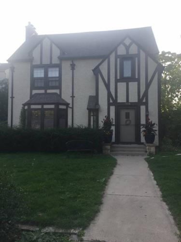 3540 Irving Avenue S Photo 1