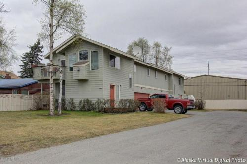 653 Pearl Drive #A Photo 1