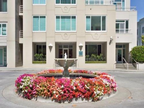 Lombard Street Photo 1