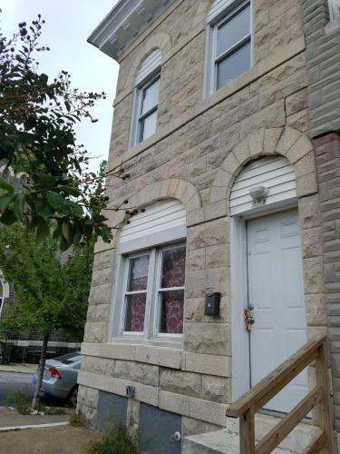 451 N Milton Avenue Photo 1