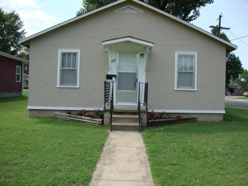 1802 Iowa Avenue Photo 1