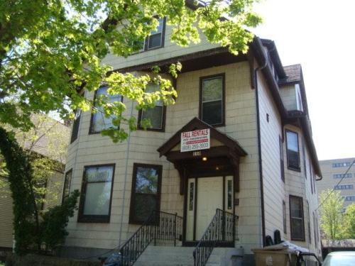 110 S Hancock Street #6 Photo 1