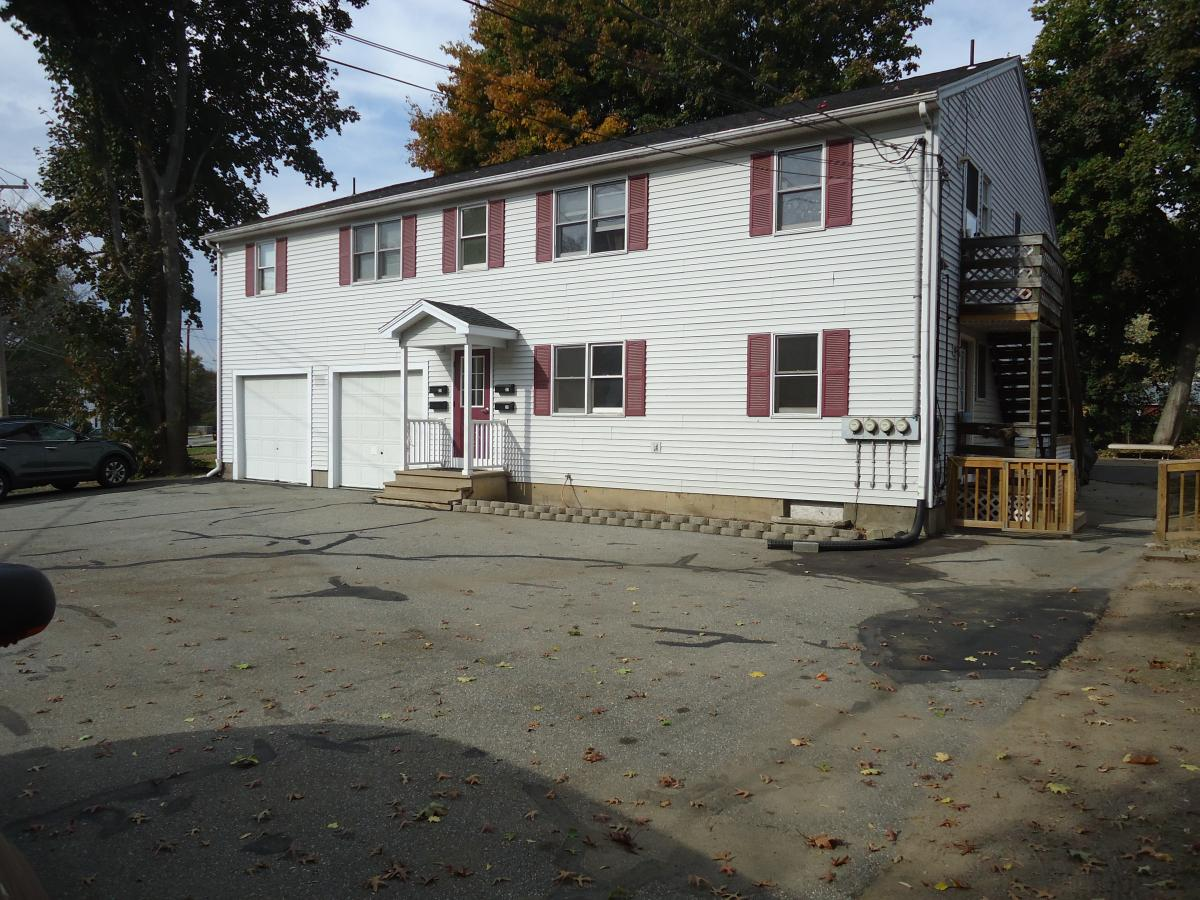 Awesome Apartment Unit 1 At 25 Canal Street, South Hadley, MA 01075 | HotPads