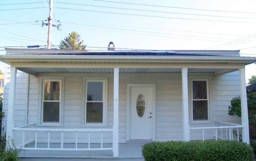 5654 W Higgins Avenue #COACH HOUSE Photo 1