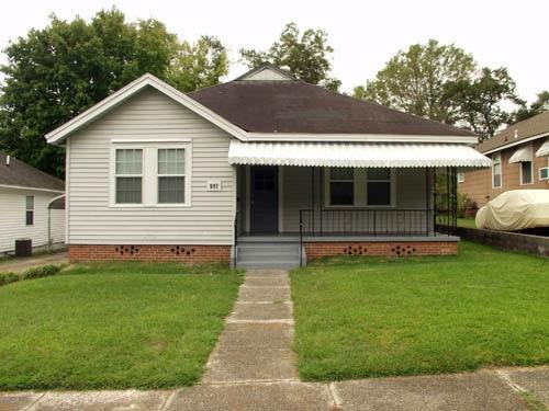 917 Litchfield Avenue Photo 1