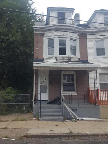 20 E Ingham Avenue Photo 1