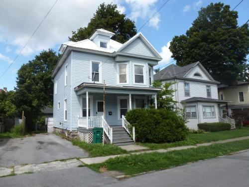109 N Pleasant Street Photo 1