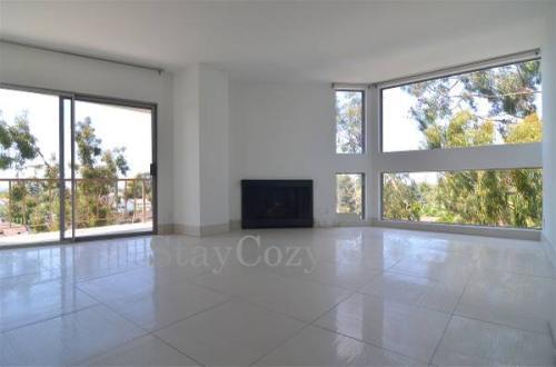 3947 Los Feliz Boulevard Photo 1