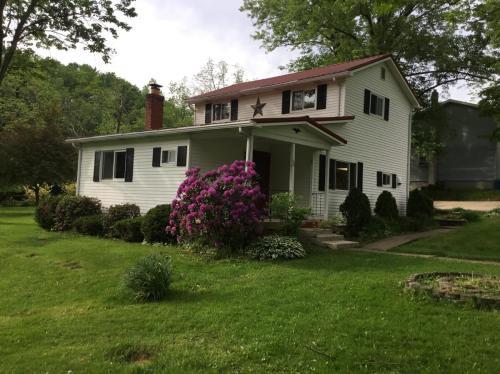 107 Old Homestead Lane Photo 1