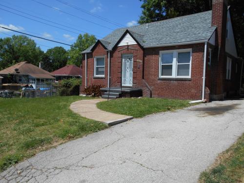 3513 Belaire Place Photo 1