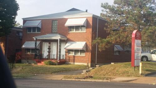 4371 Chippewa Street #1E Photo 1