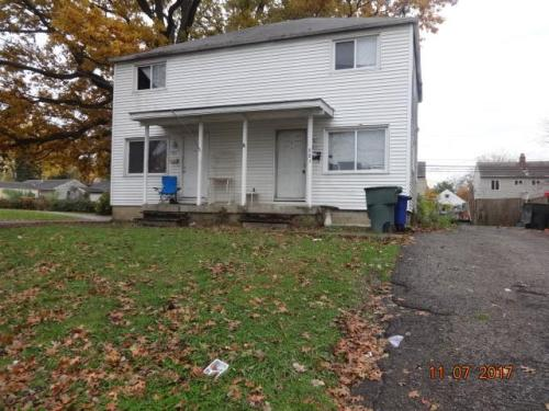 983 Racine Avenue Photo 1