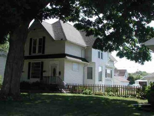 1315 Pershing Boulevard Photo 1