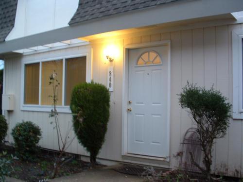 822 Concord Street NE #TOWNHOME Photo 1