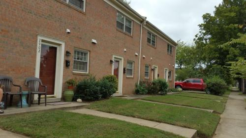 2900 Charles Street Photo 1