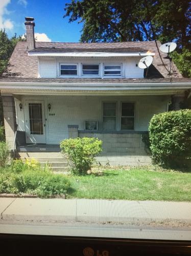 2209 W Barker Avenue #2 Photo 1