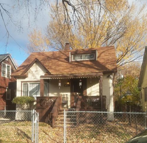 6731 Drake Street Photo 1