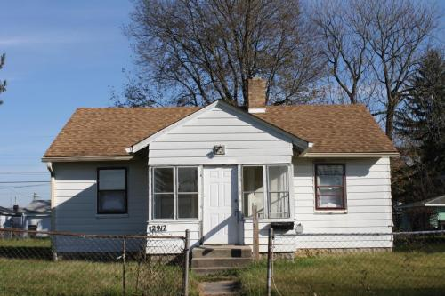2917 Manlove Avenue Photo 1
