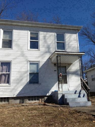 301 Brown Avenue Photo 1