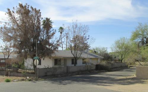 541 W Rocalla Avenue Photo 1