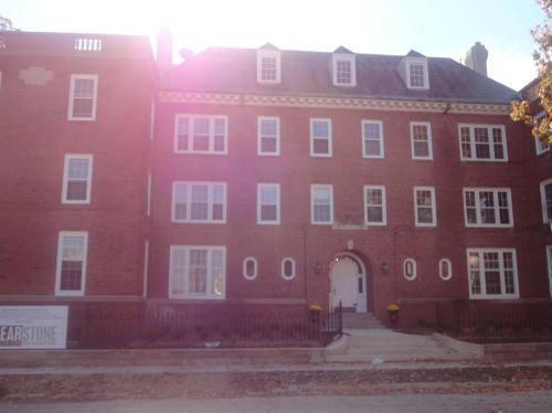 301 E Grove Street #A5 Photo 1