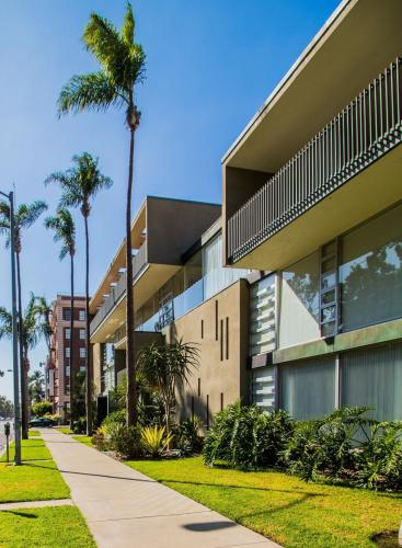3200 6th Avenue #303 3C Photo 1