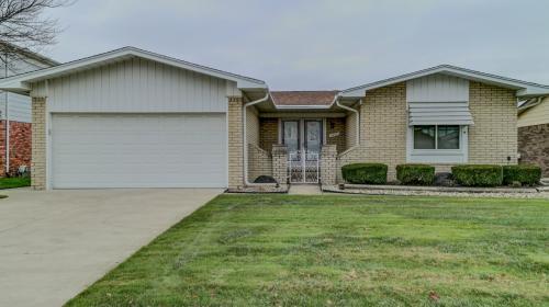 38923 Fairfield Drive Photo 1