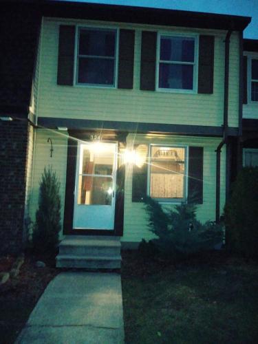 3241 Sherwood Drive #TOWNHOUSE Photo 1