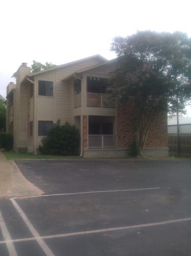 421 W San Antonio Street #J1 Photo 1