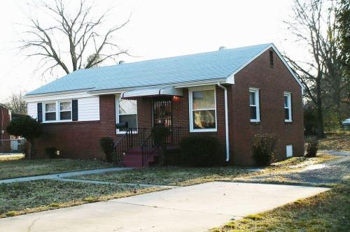 2134 Bishop Street Photo 1
