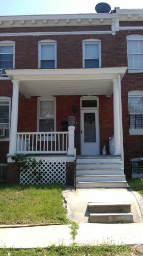 625 Melville Avenue Photo 1