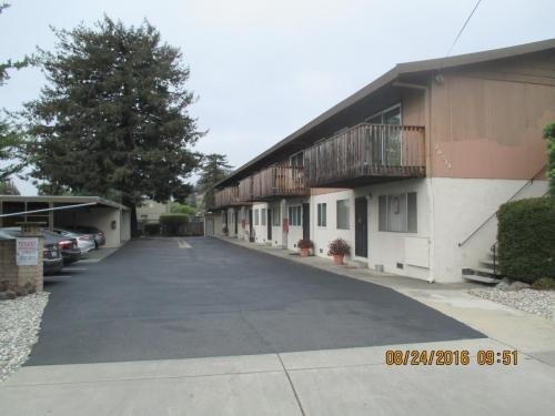 20519 Wisteria Street Photo 1
