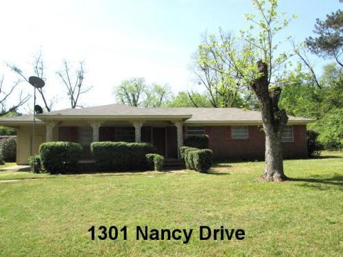 1301 Nancy Drive Photo 1