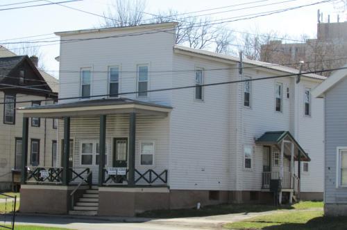 303 W Elm Street Photo 1
