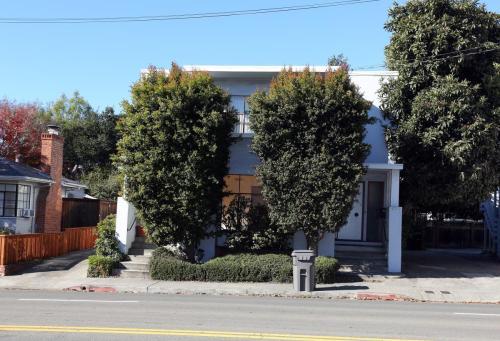 6023 Claremont Avenue Photo 1