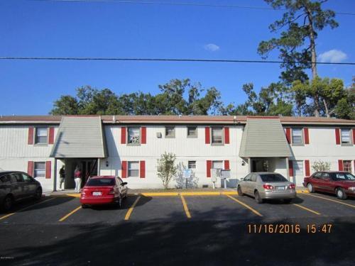 4565 Lexington Avenue #4 Photo 1