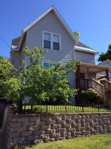 240 W Bluff Street Photo 1