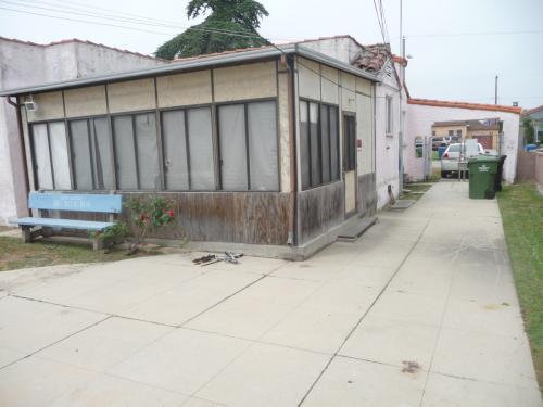 8702 S 3rd Avenue Photo 1