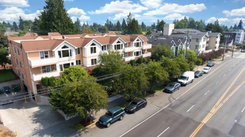 11244 Greenwood Avenue N Photo 1