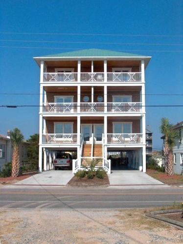 1317 Carolina Beach Avenue N #2 Photo 1