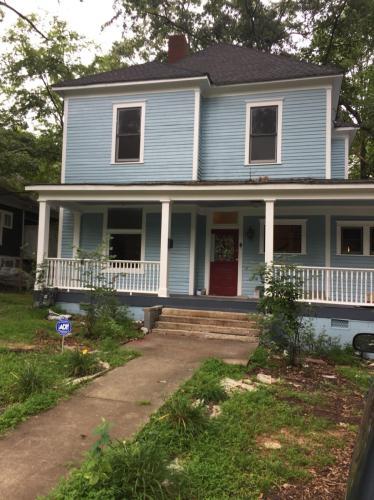 1293 Oak Street SW Photo 1