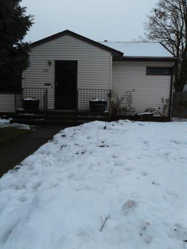 228 W Longfellow Avenue Photo 1